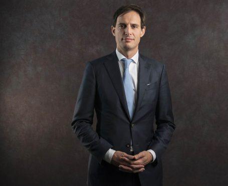 Lobbywatch: niet opnemen lobbygesprek Van der Veer in agenda minister Hoekstra dubieus